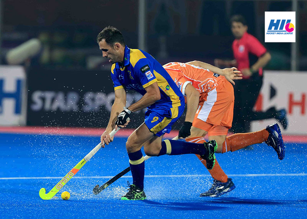 Knowles playing for the Punjab Warriors in the Hockey India League